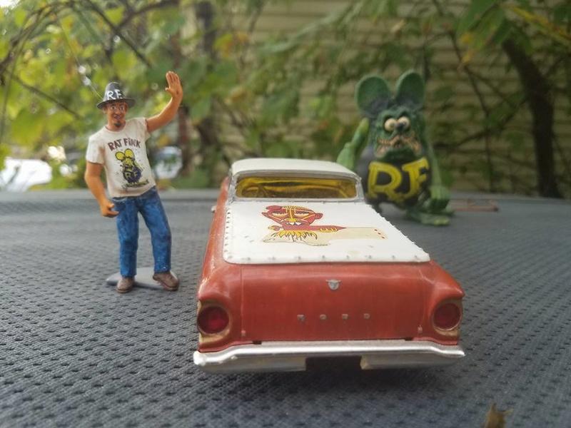 Vintage built automobile model kit survivor - Hot rod et Custom car maquettes montées anciennes - Page 6 14563411