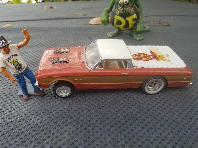 Vintage built automobile model kit survivor - Hot rod et Custom car maquettes montées anciennes - Page 6 14590410