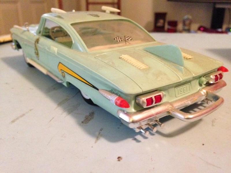 Vintage built automobile model kit survivor - Hot rod et Custom car maquettes montées anciennes - Page 6 14600810