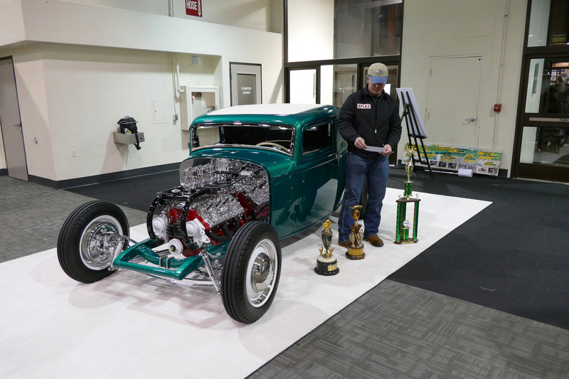 1932 Ford coupe - Low Thompson 24270011