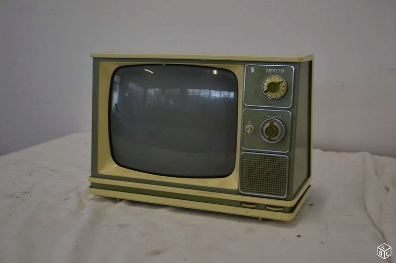 Téloches.... Vintage televisions - 1940s 1950s and 1960s tv - Page 4 2442e010