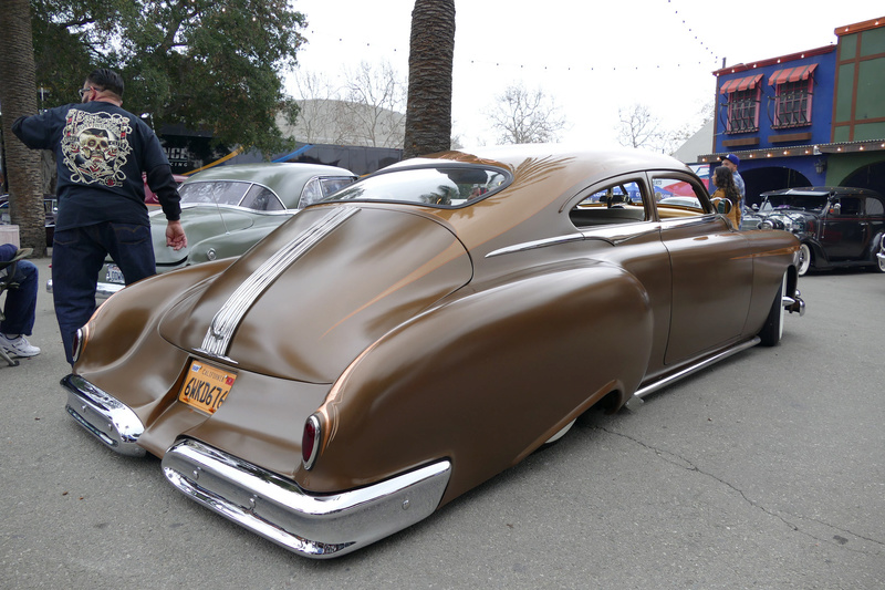 Pontiac 1949 - 54 custom & mild custom - Page 3 25039211