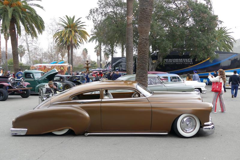 Pontiac 1949 - 54 custom & mild custom - Page 3 25039212