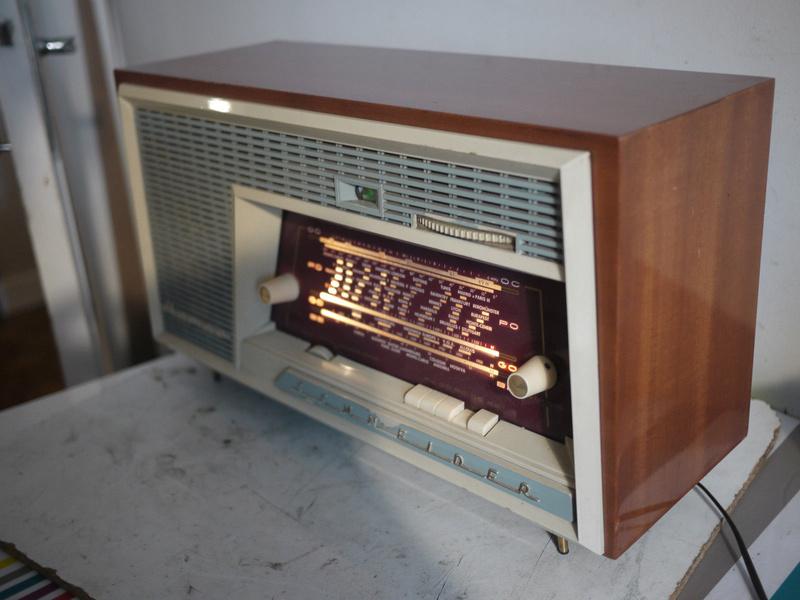 Radio Schneider 2512