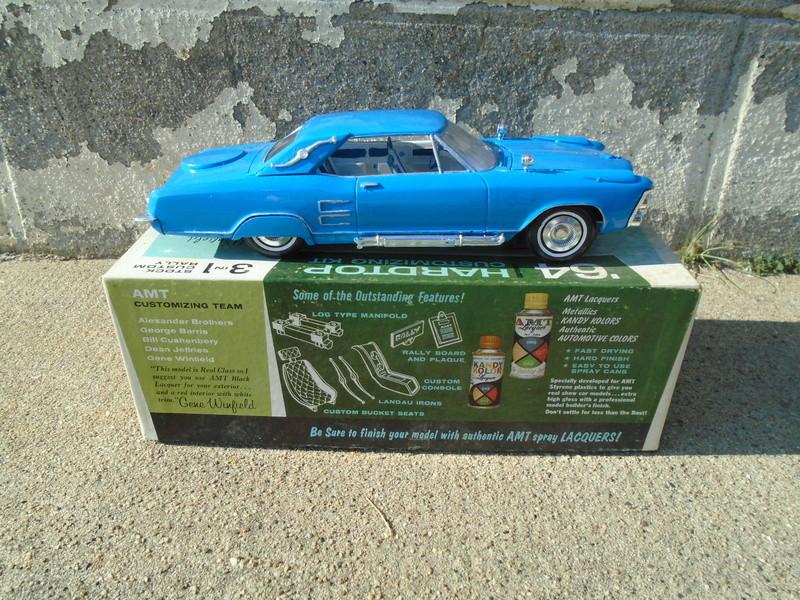 1964 Buick Riviera - Gene Winfield - Customizing kit 3 in 1 - 1/25 scale Dsc04913