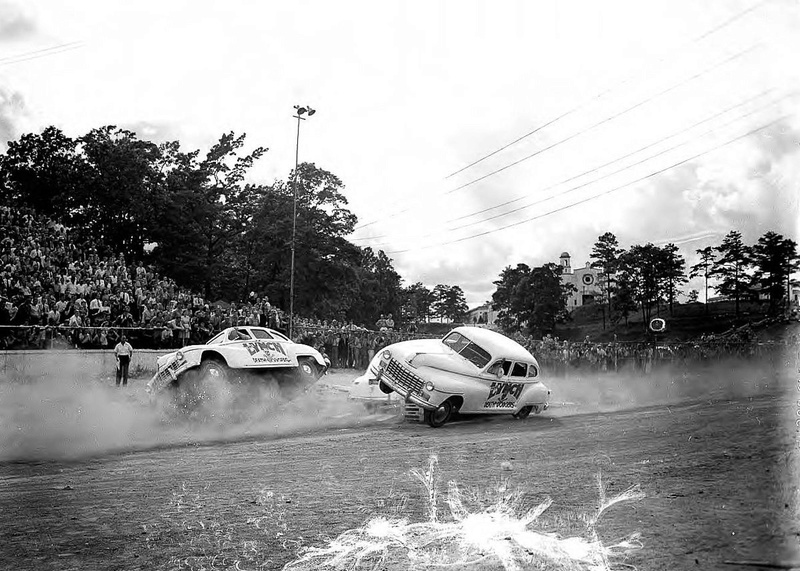 """Daredevil Jimmie Lynch and his """"Death Dodgers"""" Http_a12"""