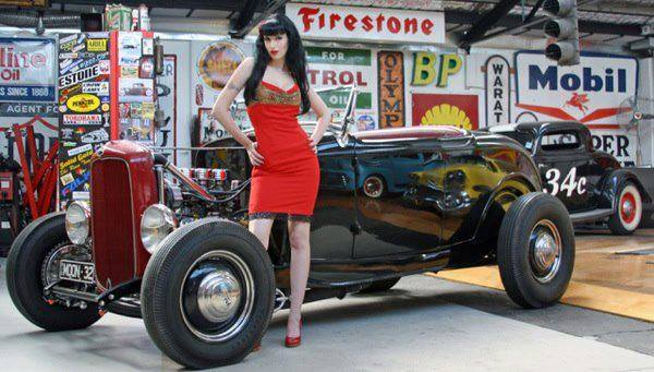 Hot Rod Pinup  13528910