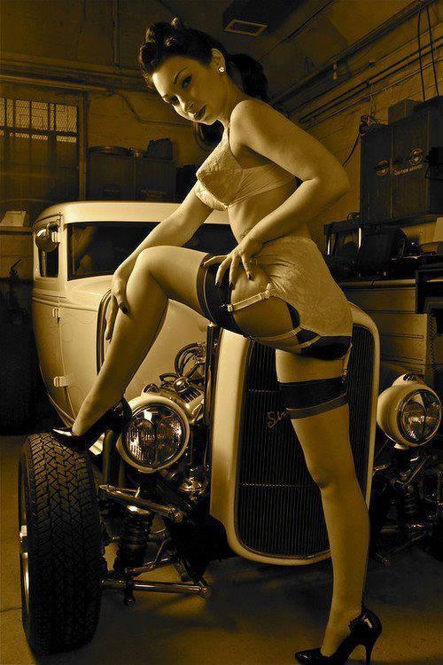 Hot Rod Pinup  13533010