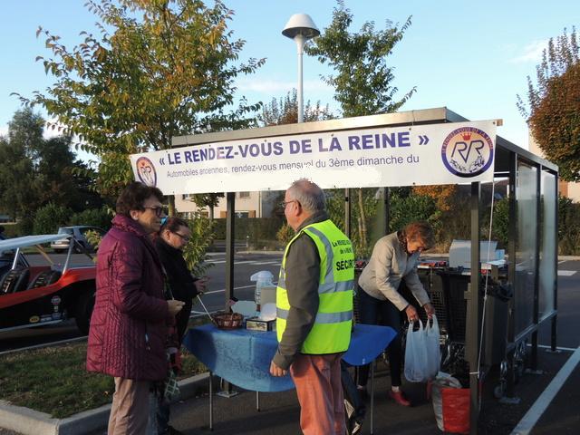 L'association LE RENDEZ-VOUS DE LA REINE - Page 2 Dscn8210