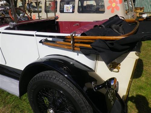9e Festival de Voitures Anciennes à Dourdan, 2 octobre 2016 Fvadou28