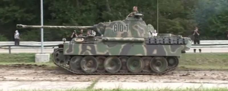 PanzerV Panther G Late Tamiya et maison ruine Mini Art 1/35e 21-10-10