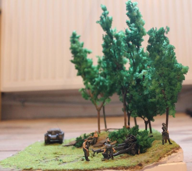 Diorama d'un leFH 18 en batterie au 1/72 Thumb_94