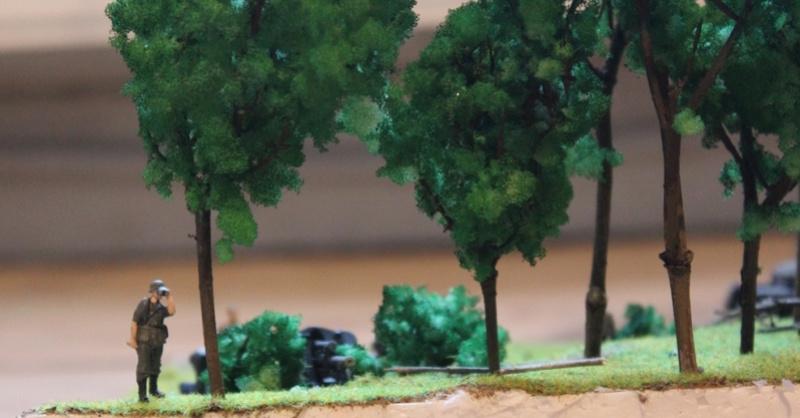 Diorama d'un leFH 18 en batterie au 1/72 Thumb_95