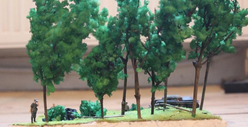 Diorama d'un leFH 18 en batterie au 1/72 Thumb_97