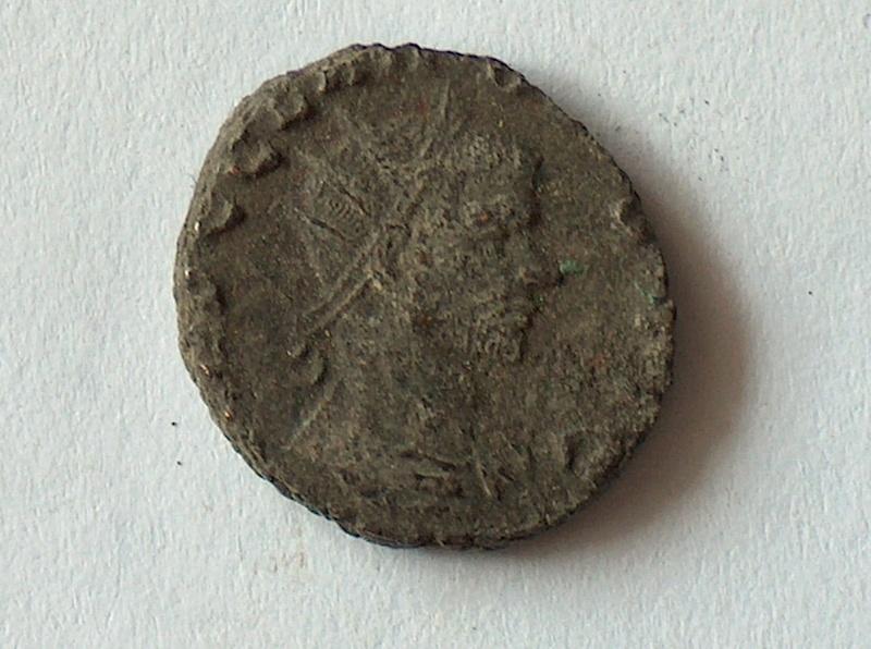 Petit bronze CLAUDE II 14 1410