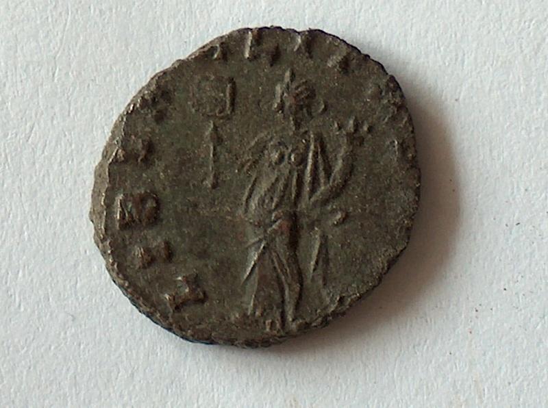 Petit bronze CLAUDE II 14 14f10