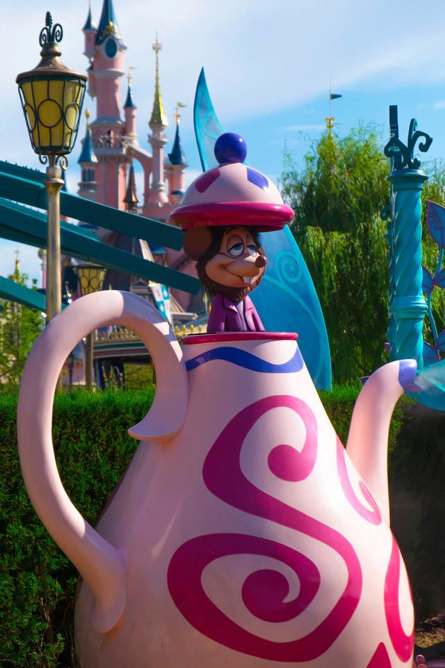 Photos de Disneyland Paris en HDR (High Dynamic Range) ! - Page 22 Dscf0115