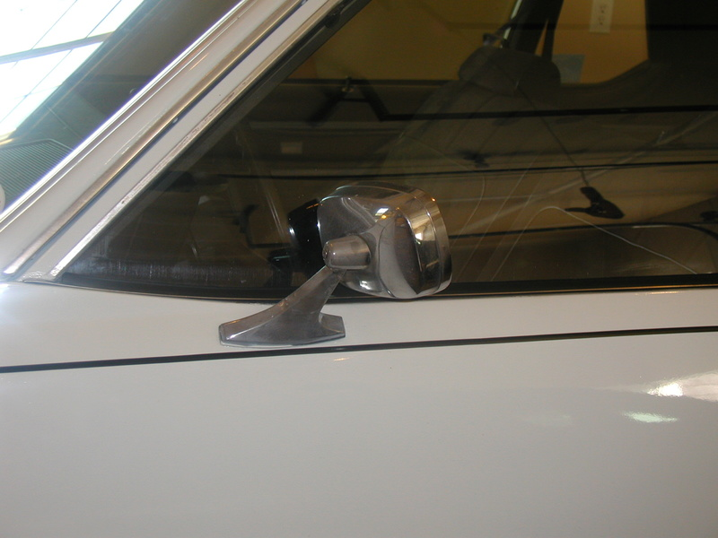 Looking for a RH Mirror complete  1979 Caprice P1010012