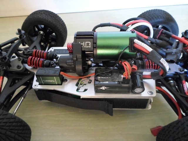 E-Revo's 1/16 Brushless 3S (380/540) 1110