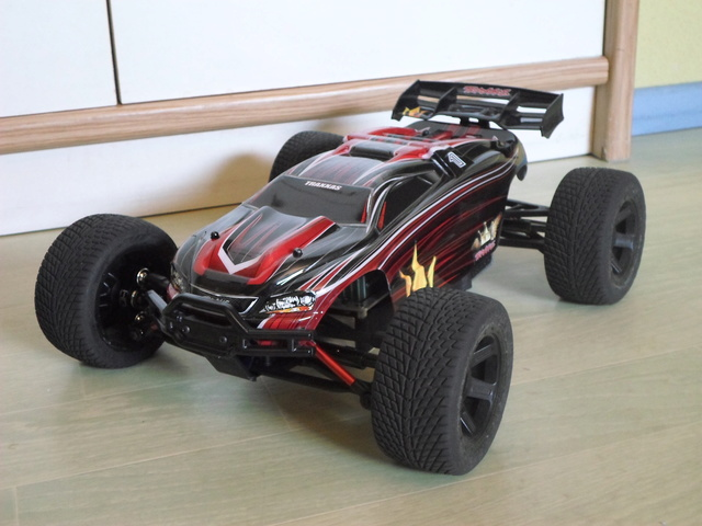 E-Revo's 1/16 Brushless 3S (380/540) 112