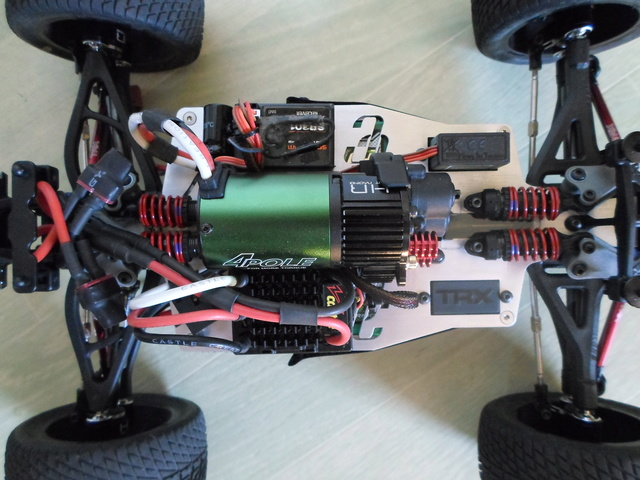 E-Revo's 1/16 Brushless 3S (380/540) 1210