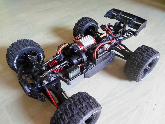E-Revo's 1/16 Brushless 3S (380/540) 411