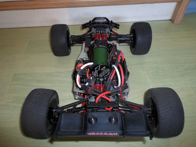 E-Revo's 1/16 Brushless 3S (380/540) 510