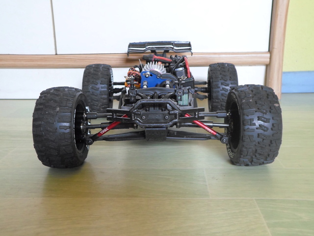 E-Revo's 1/16 Brushless 3S (380/540) 611