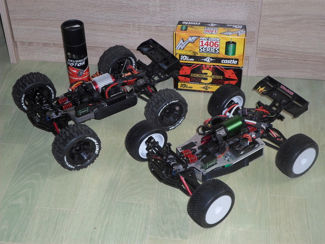 E-Revo's 1/16 Brushless 3S (380/540) Sam_3514