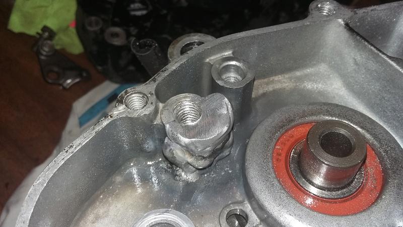 Réparation carter moteur alu cassé 20161012