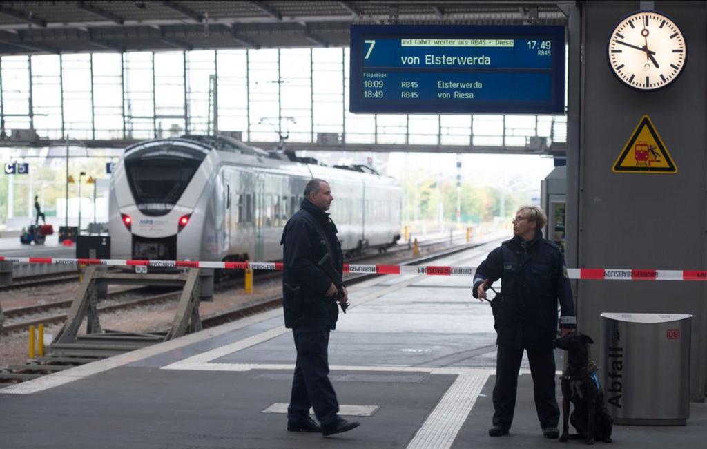 BRD under attack – Terror und Panik: München, Würzburg, Ansbach, Reutlingen - Seite 4 Uhr10