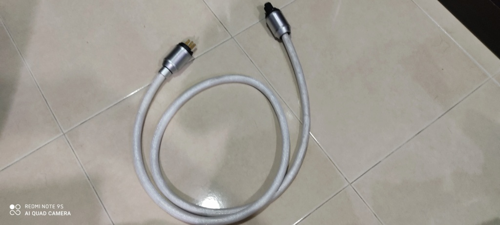 XLO Signature 3-10 power cord (1.8m)price reduced Img_2042