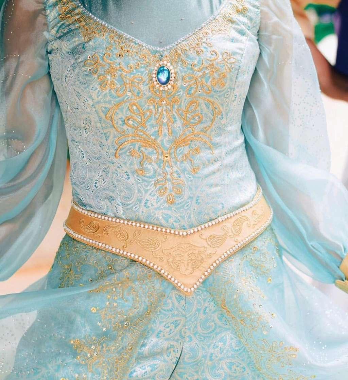 Nouvelles robes pour les princesses? - Page 16 Cri5ac10
