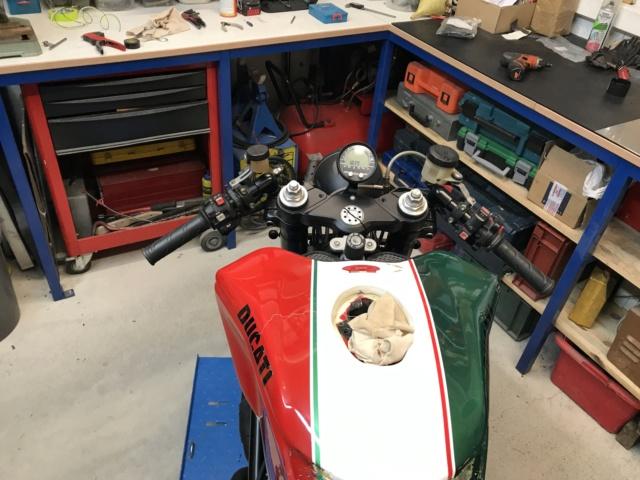 Projet ST2 / Café Racer - Page 7 Img_2919