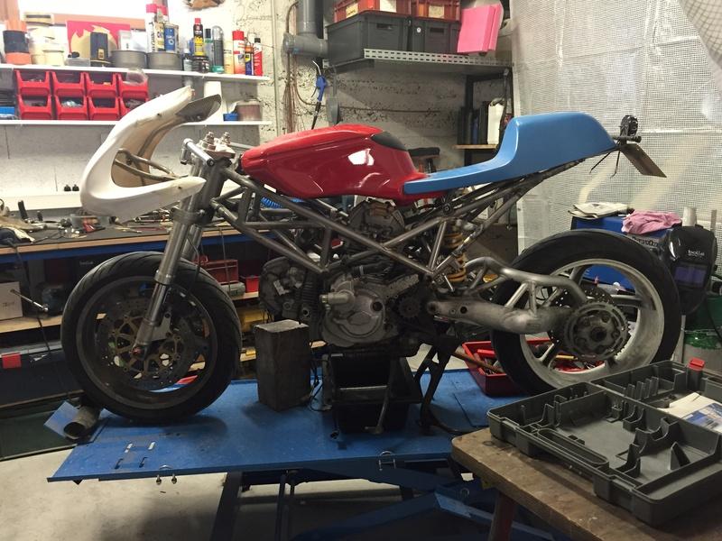 Projet ST2 / Café Racer - Page 5 Img_8828