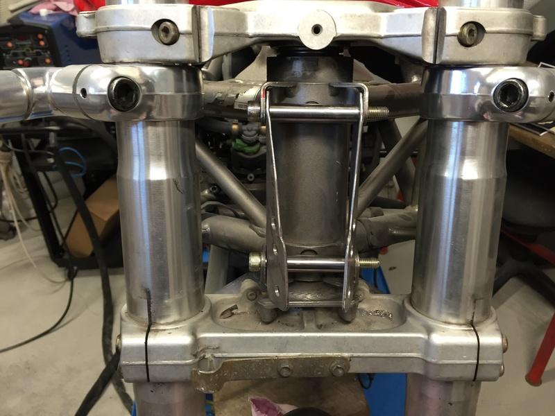 Projet ST2 / Café Racer - Page 5 Img_8841