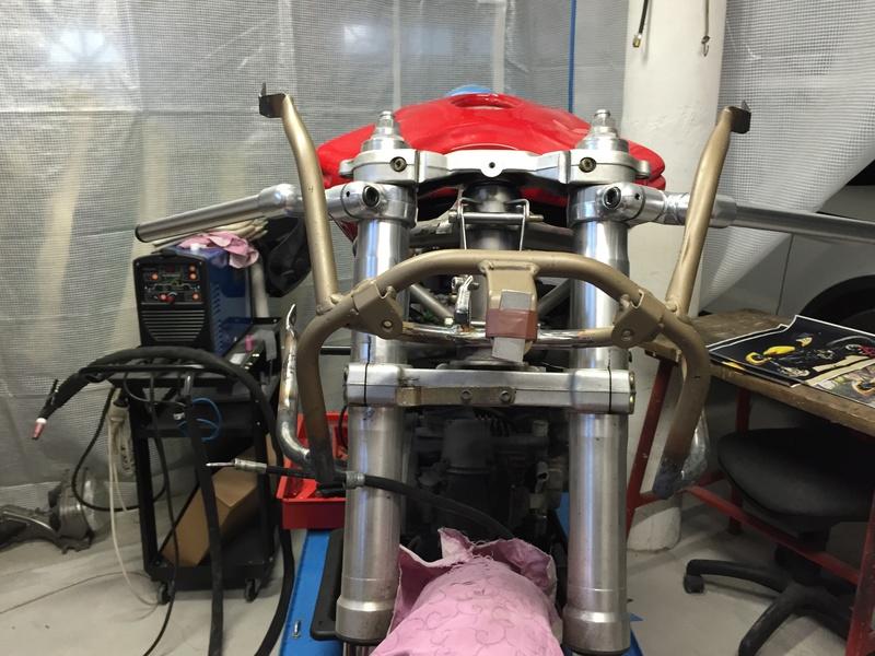 Projet ST2 / Café Racer - Page 5 Img_8844