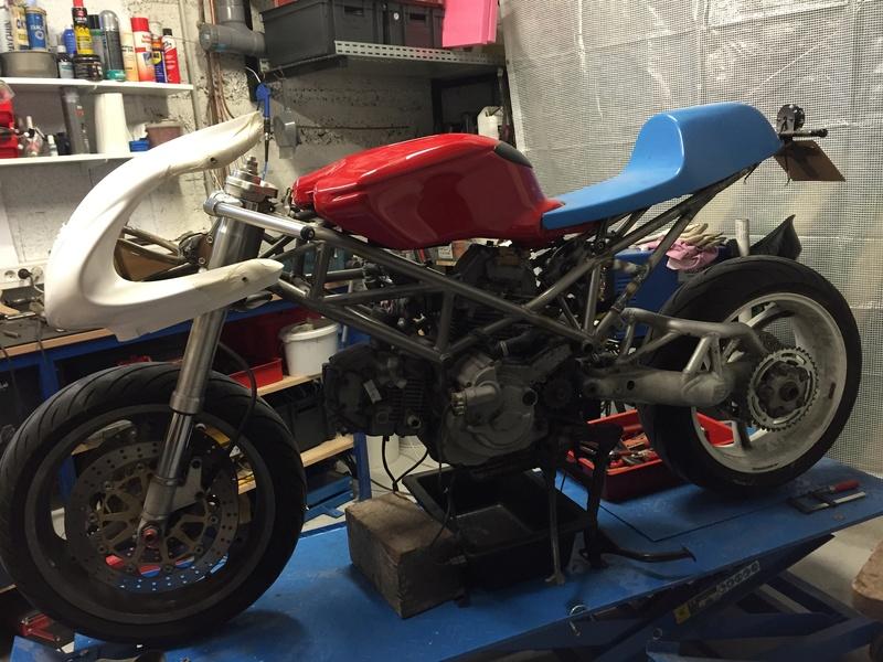 Projet ST2 / Café Racer - Page 5 Img_8845