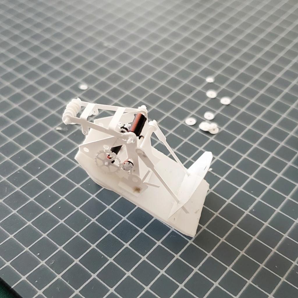 LePoete: Fabrication grue caillard intégralement en carte plastique 2315