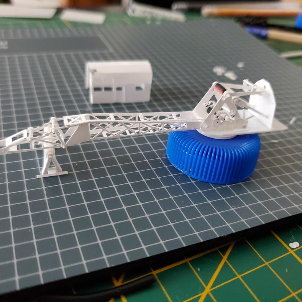 LePoete: Fabrication grue caillard intégralement en carte plastique 2414