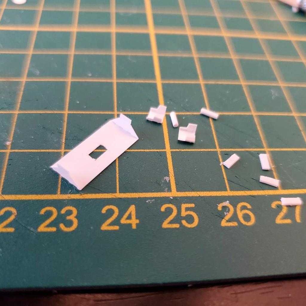 LePoete: Fabrication grue caillard intégralement en carte plastique B_0510