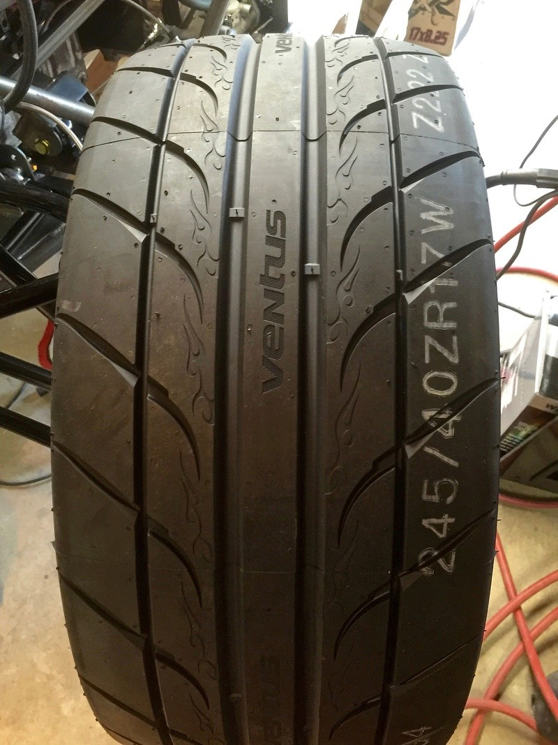 Classic R #27 Build - Wheels and Tires Tires-11