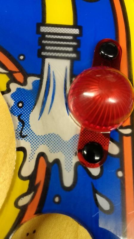 Décors griffés (micro rayures), et peinture abimée... Img_2014