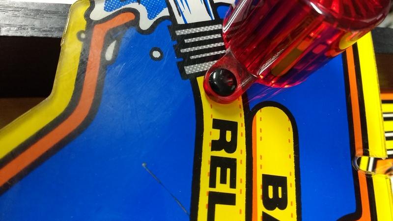 Décors griffés (micro rayures), et peinture abimée... Img_2015