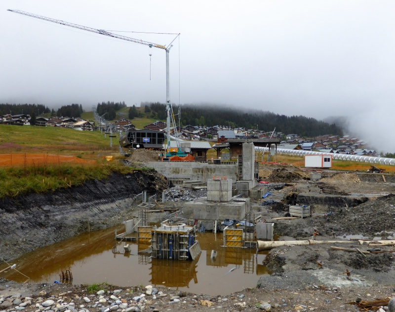 Construction du télésiège débrayable 6 places (TSD6) de Bisanne - Page 2 86676110