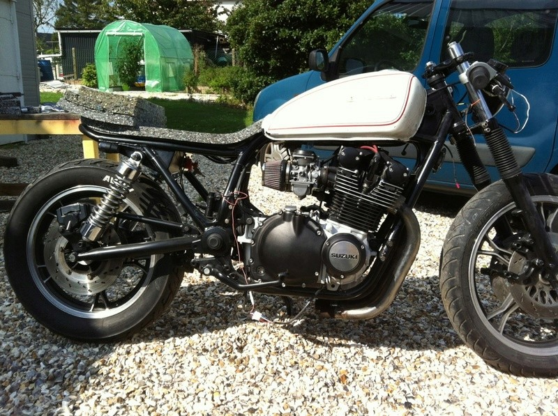 Aza project : GS 1100 G Brat Style - Page 2 Downlo22