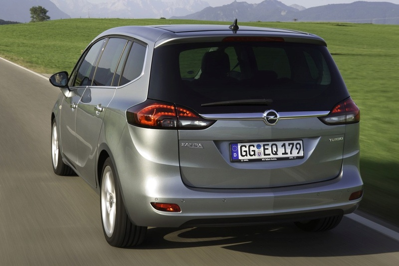 2016 - [Peugeot] 5008 II (P87) - Page 21 Opel_z10