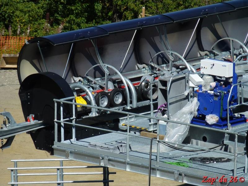 Construction du télésiège débrayable 6 places (TSD6) La Voie Lactée et du télésiège fixe 4 places (TSF4) de l'Ourson P1110511