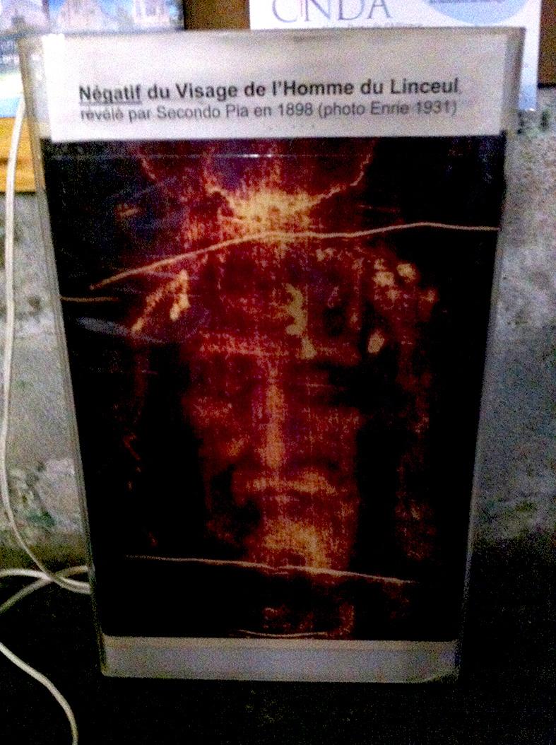 Reconstitution 3D d'après le Saint Suaire. L_homm10