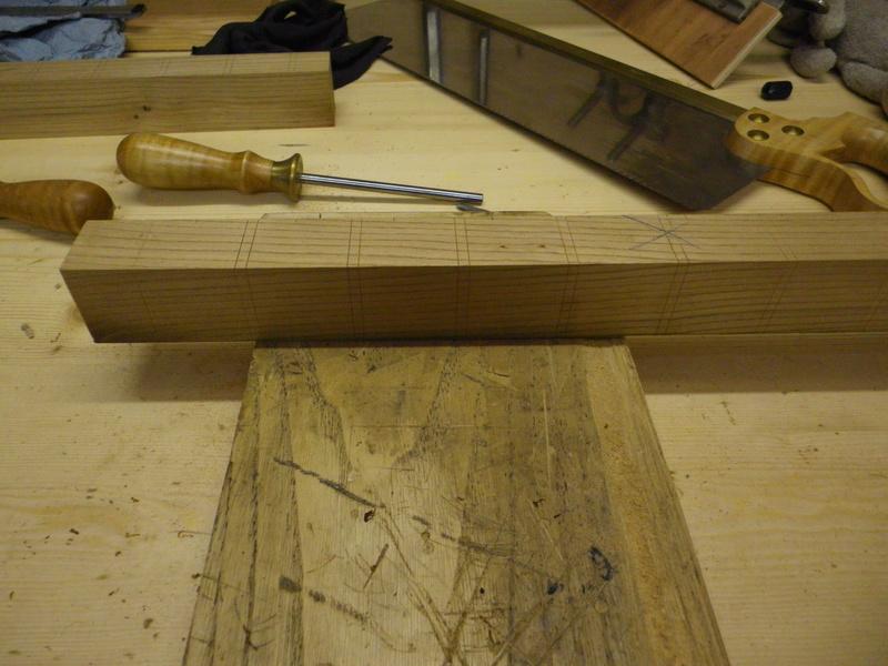 The Saw Till ou l'étagère à scie - Page 3 Imgp0632